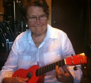 Sheila learns the C chord